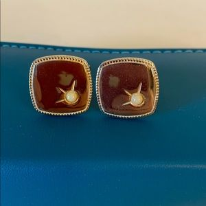 Other - Vintage Gold Tone Faux Pearl Cuff Links